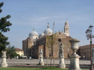 Santa_Giustina_from_Prato_della_Valle_Padua